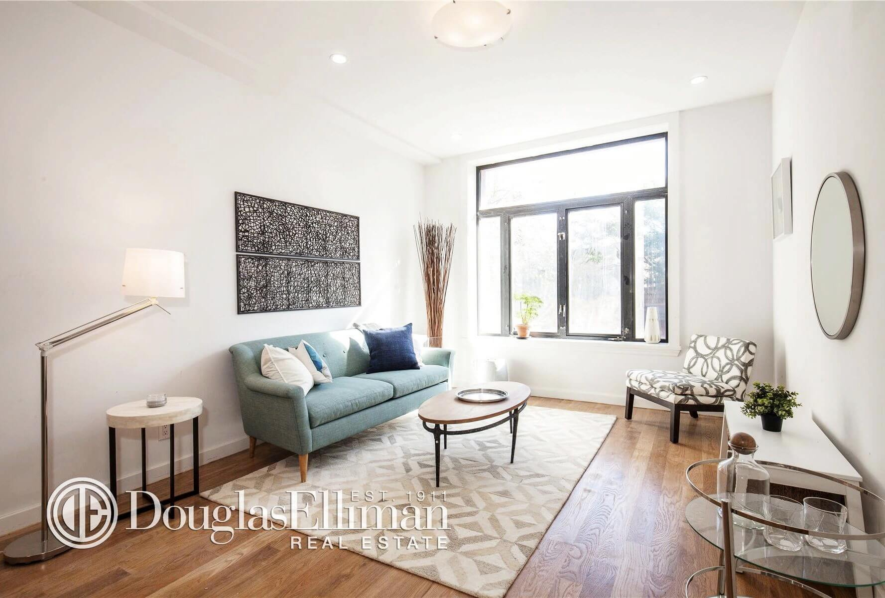 Apartment for sale 244 Franklin Avenue Brooklyn Living Room